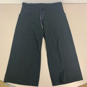 UNDER ARMOUR capri pants athletic drawstring sz M